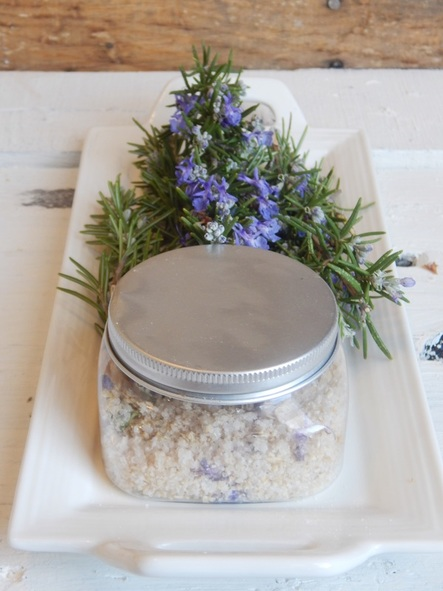 Homemade lavender bath soak. Salts, oils, and oats make this bath soak absolutely amazing! Cheap to make and perfect for gift giving!