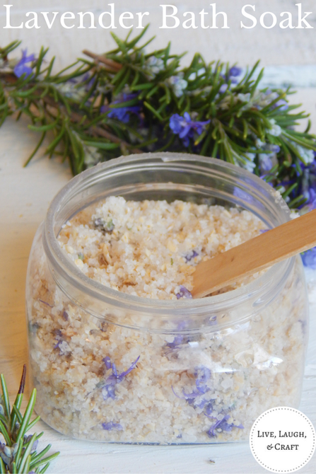 Homemade lavender bath soak. This is extremely easy to make and such a great gift idea! Perfect for new moms or just someone you love!