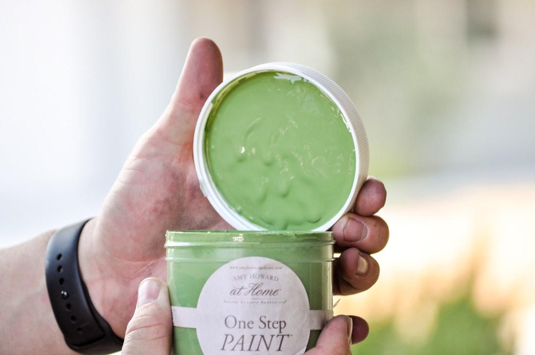 Kelly green chalk paint