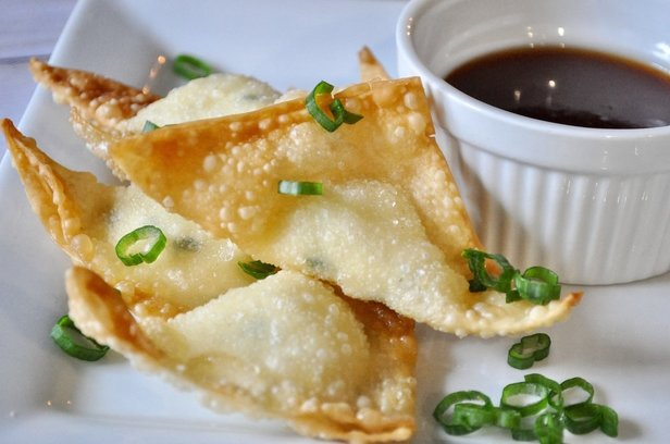 If you love crab rangoon, but hate the crab...you will love these bad boys!!! They are so easy to make and way cheaper than you can buy at restaurants! Warm cream cheese fried in a wonton wrapper makes an appetizer perfection!