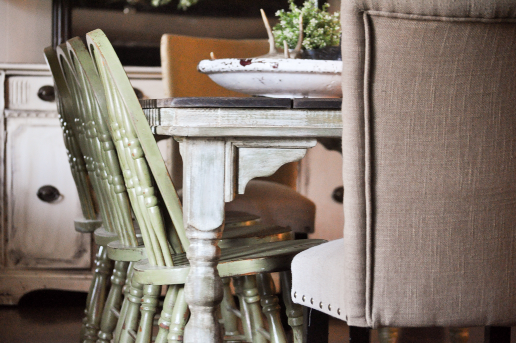 Farmhouse Table- Amy Howard At Home Paint Line