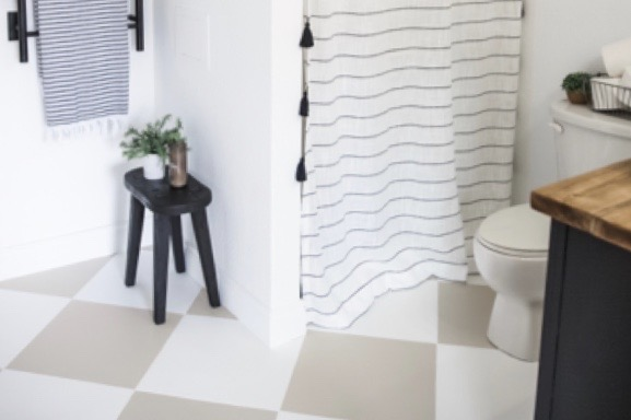 EASY AND AFFORDABLE BATHROOM UPDATE USING PAINT
