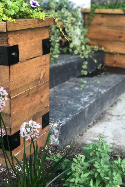 HOW TO RAISED PLANTER BOX