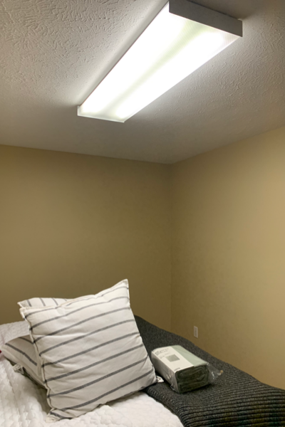 Easy Room Refresh on a Budget #paint #light #decorate