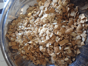 Cereal combinations for gooey chex mix