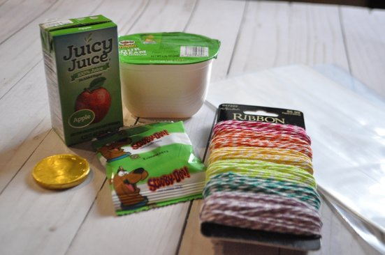 Green snacks with colorful twine for st patricks day